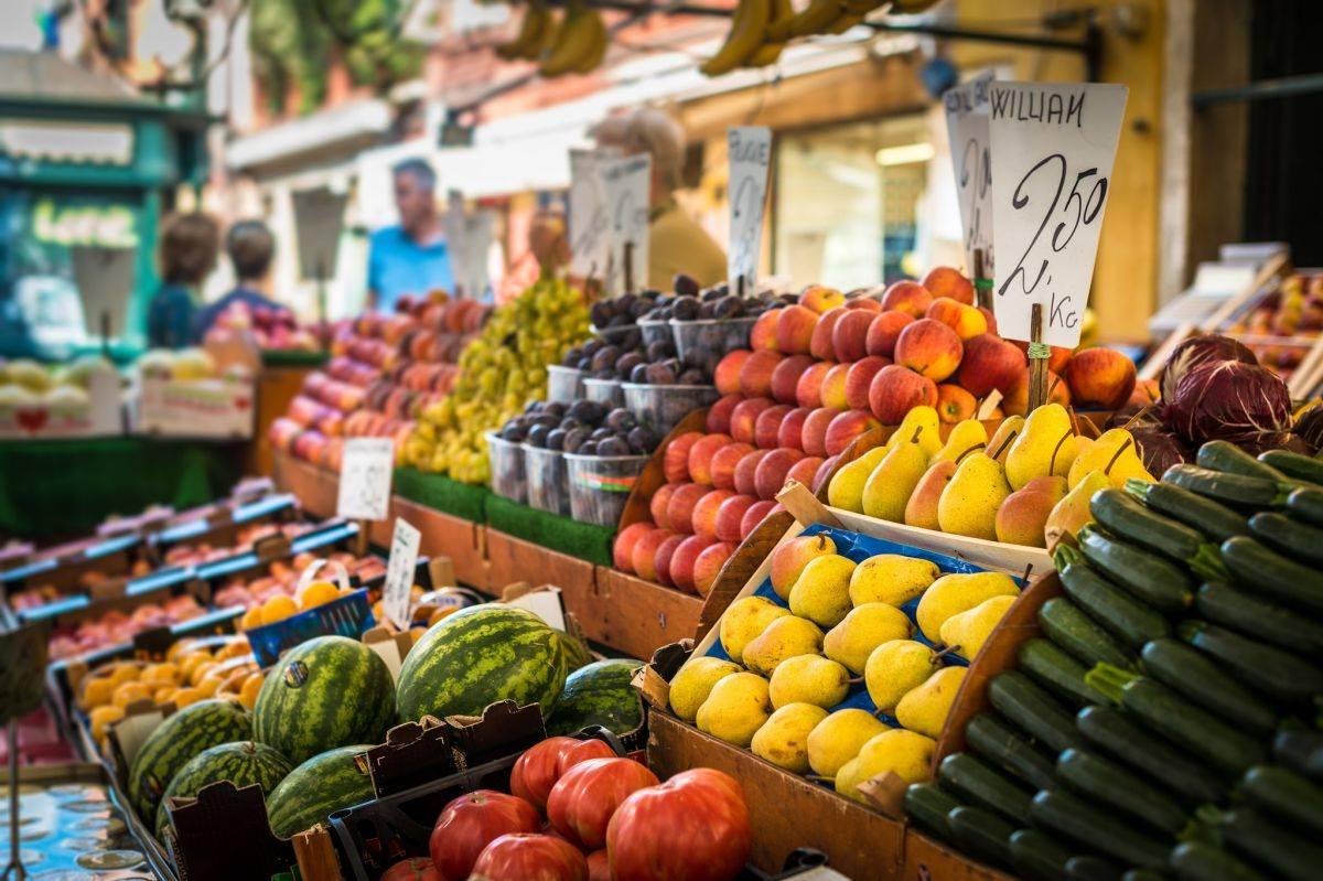 I mercati settimanali del Lago di Garda | Weekly Markets around Garda Lake
